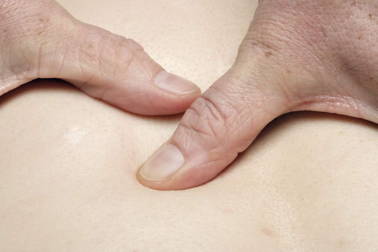 fingers massaging body