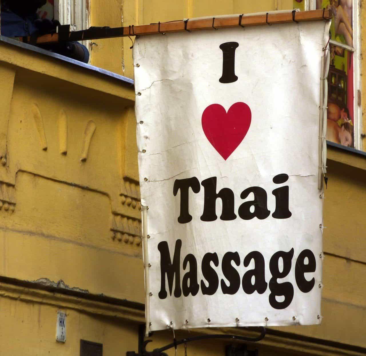sign saying I heart Thai Massage